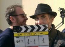 """Claudio Caligari con Valerio Mastandrea sul set di """"Non Essere Cattivo"""""""